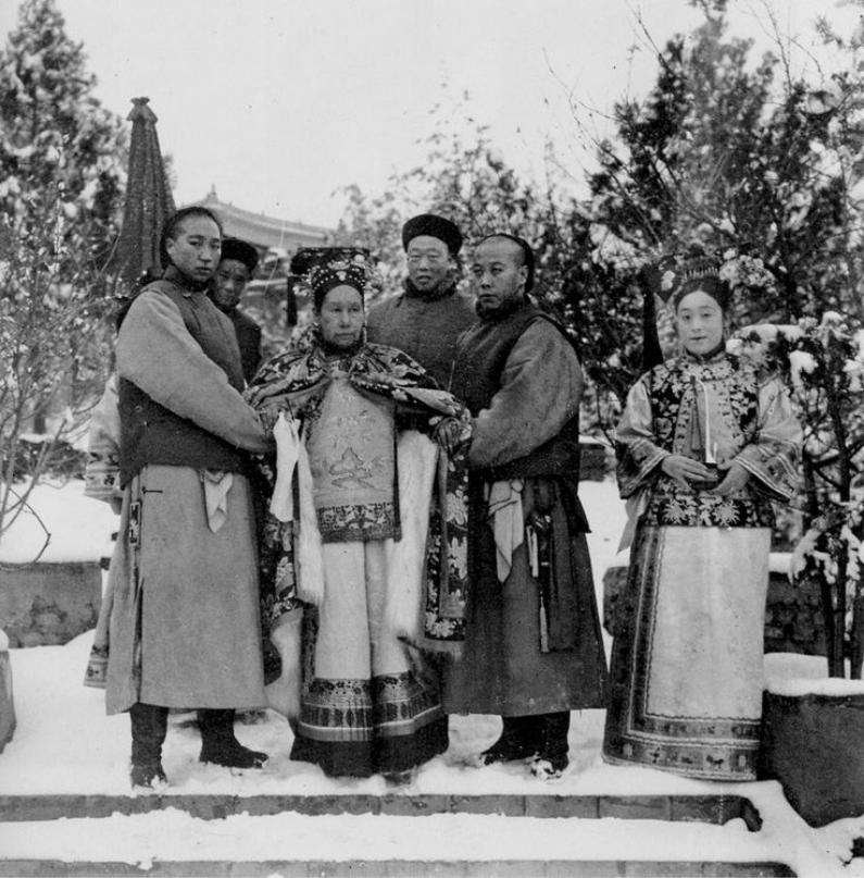 Cixi in winter garden