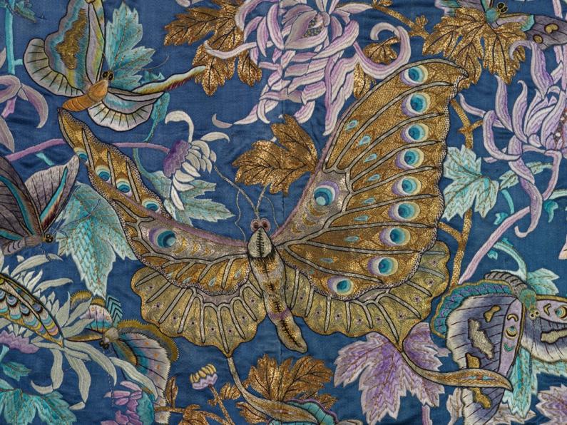 detail of robe