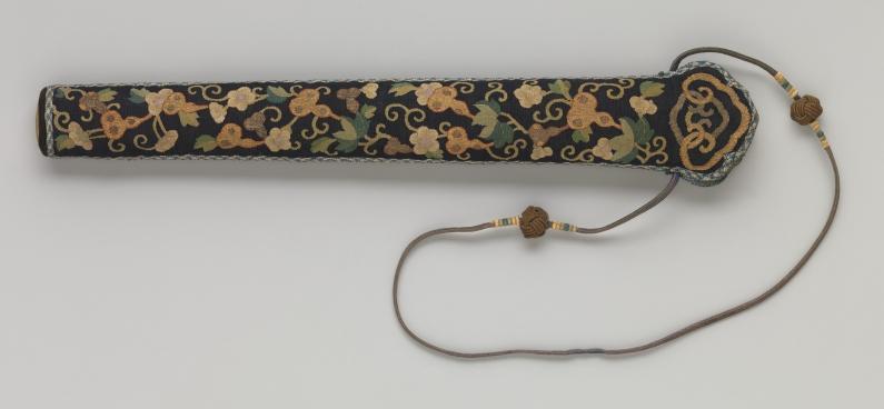 Metropolitan_Museum_fan_case_kesi_paul_bequest